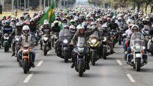 Enquete: em resultado apertado, maioria é contra 'motociata' de Bolsonaro