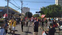 Protesto começa com 2 mil em Campo Grande e culpa Bolsonaro por mortes na pandemia