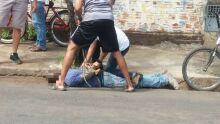 População revoltada prende casal de ladrões no Campo Alto