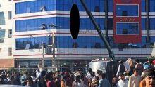 Talibã pendura cadáver de homem em praça pública de cidade afegã