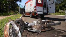 Rapaz voa em acidente entre motos e morre em Bonito