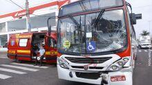 Acidente entre ônibus e caminhão deixa quatro feridos na Avenida Eduardo Elias Zahran