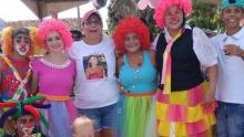 Mãe que teve filha assassinada faz festa para crianças em memória de Jéssica