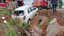 Grávida de 4 meses, professora perde o controle da direção e capota carro na MS-080