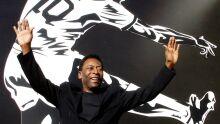 Pelé faz 79 anos e recebe homenagens de clubes e da Fifa