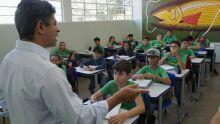 No Dia dos Professores, deputado celebra conquistas para educação