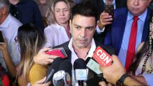 Defensor da cota zero, Zezé di Camargo diz que se envergonha de ter levado peixes do Pantanal