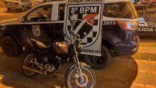 Sem CNH e em alta velocidade, motociclista tenta fugir da polícia e acaba preso