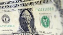 Bolsonaro aumenta limite de compras na fronteira para US$ 500