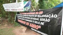 Protesto 'classe A' contrasta com manifestação de pescadores que lutam por sustento