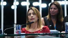 'Caroneira', senadora critica fundão autorizado por Jair Bolsonaro