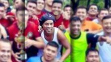Torneio na prisão é chance de 31º título na carreira de Ronaldinho Gaúcho