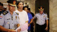 ESQUECERAM DE MIM? Ronaldinho continua preso no Paraguai sem previsão de sair