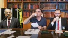 """""""Melhor tomar leite do que tomar pinga"""", diz Ovando sobre nova polêmica com Bolsonaro"""