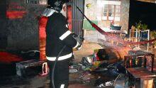 Marido coloca fogo em móveis de casa e agride a mulher