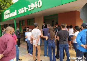"""""""Melhor ser humano que conheci"""": velório de Carla é marcado por lágrimas e revolta em Campo Grande"""
