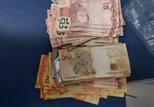 Confusão no Zé Pereira termina com prisão de traficante e apreensão de drogas e dinheiro