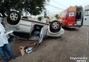 Homem capota carro, rasga uniforme de bombeiro e acaba preso em Campo Grande