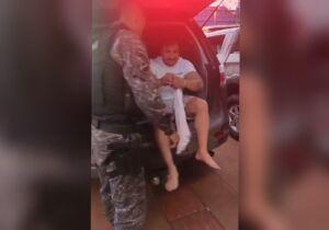 Vídeo: médico bêbado bate em ônibus no centro de Campo Grande