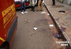 Traficante saca arma para policiais e acaba baleado no Tiradentes