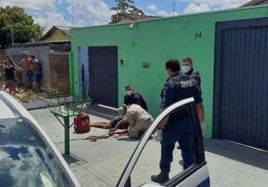 Homem é espancado por grupo de rapazes no Tiradentes