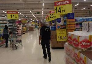 Cliente vê gerente do Carrefour humilhar funcionária em Campo Grande: 'deplorável'