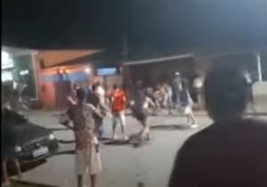 Vídeo: briga generalizada termina com seis jovens na delegacia em MS
