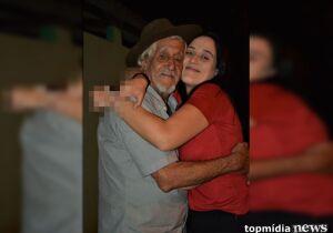 Filha de violeiro faz prova durante velório do pai, passa e dedica vitória ao eterno Ivo de Souza