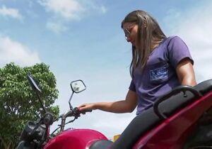 Após ser furtada, mulher se confunde e leva moto errada para casa