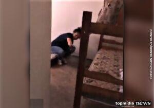 VÍDEO: filha de diretora da UPA, enfermeira é flagrada dormindo no expediente