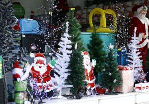 Papai Noel passa mal e precisa ser socorrido durante expediente na fronteira