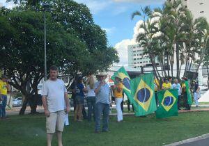 Protesto de 'patriotas' pela prisão pós 2ª instância reúne pouco mais de 100 pessoas  na Afonso Pena