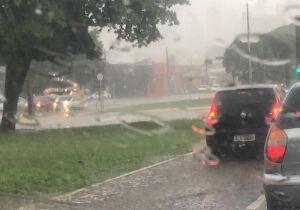 Chuva finalmente chega e ameniza 'inferno na terra' de Campo Grande