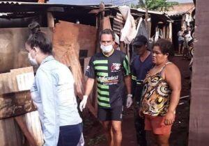 Na Lata: enquanto ricaiada reclama, Marquinhos ajuda favelas