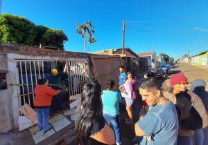 TRAGÉDIA: moradores das Moreninhas tentaram salvar idoso que morreu em casa incendiada