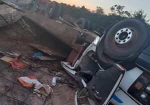Morador de MS tomba caminhão com cavalos e morre no norte de MT