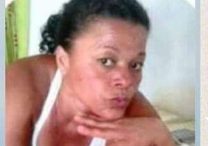 Filha pede ajuda para encontrar mãe que saiu para comprar cigarro no Tiradentes