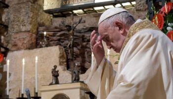 Papa Francisco defende leis para união civil entre casais do mesmo sexo