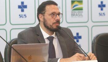 Pesquisador da Fiocruz, Julio Croda vê possibilidade de vacina para idosos no Brasil