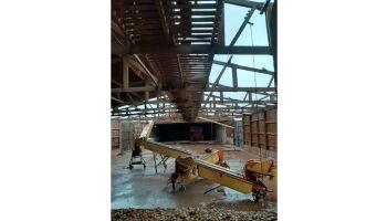 Vídeo: telhado de barracão 'voa' durante temporal em Dourados