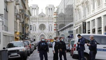 Mulher é decapitada em atentando terrorista na França