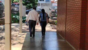 Acusada de matar 'Jhon Lenon' diz que ele chegou a arremessar pia nela durante agressões