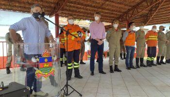 Bombeiros que lutaram contra as chamas em MS recebem homenagem em Campo Grande