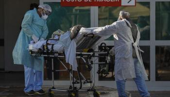 Brasil tem 497 mortes por covid em 24h e total de 155 mil