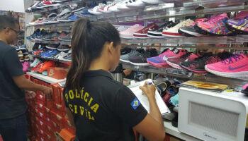 Loja vai pagar R$ 10 mil para adolescente acusada de furtar tênis em Dourados