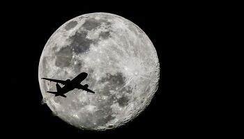 Evento raro: Lua Azul poderá ser vista no Dia das Bruxas