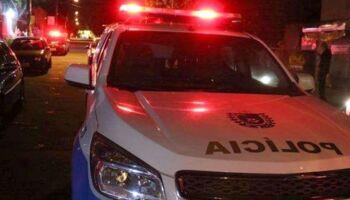 Mulher esfaqueia marido após ser enforcada e agredida com socos