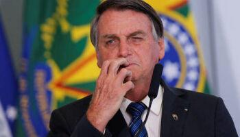 'A caneta Bic é minha', diz Bolsonaro em resposta a Mourão sobre vacina chinesa
