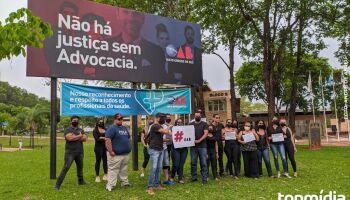 Em protesto, família de PM morto pede expulsão de advogado da OAB-MS
