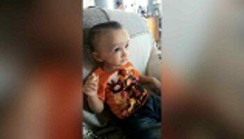 Mãe 'se vira nos 30' para conseguir exame de filho com suspeita de macrocefalia